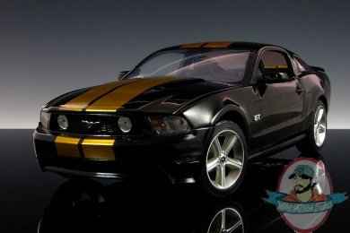 1 18 Scale 2010 Mustang Black With Gold Stripes Hertz