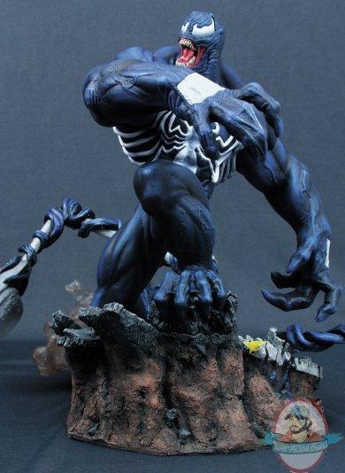 Marvel Spiderman Milestones Venom Statue By Diamond Select Used