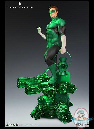 2019_02_28_12_50_10_dc_comics_green_lantern_maquette_by_tweeterhead_sideshow_internet_explorer.jpg