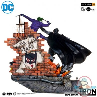 2019_04_03_16_58_14_dc_comics_batman_vs_the_joker_sixth_scale_diorama_by_iron_studios_sideshow_col.jpg