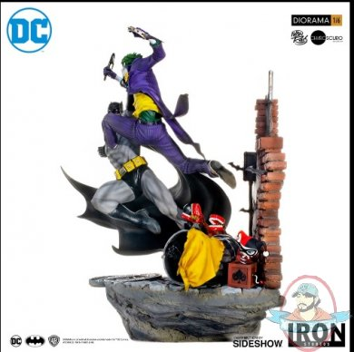 2019_04_03_16_58_51_dc_comics_batman_vs_the_joker_sixth_scale_diorama_by_iron_studios_sideshow_col.jpg