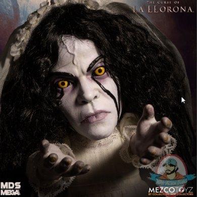 2019_04_30_19_53_09_mds_mega_scale_the_curse_of_la_llorona_talking_la_llorona_mezco_toyz_intern.jpg