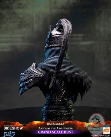 2019_06_10_08_08_44_https_www.sideshow.com_storage_product_images_904798_artorias_the_abysswalker_.jpg