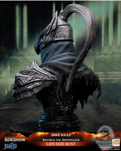 2019_06_10_08_42_02_https_www.sideshow.com_storage_product_images_904799_artorias_the_abysswalker_.jpg
