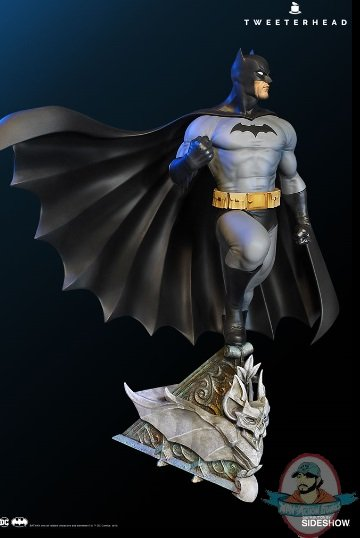 2019_11_07_16_09_08_dc_comics_super_powers_batman_variant_maquette_by_tweeterhea_sideshow_collecti.jpg