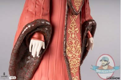 2019_11_11_14_36_16_https_www.sideshow.com_storage_product_images_905465_queen_amidala_in_throne_r.jpg