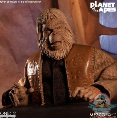 2020_03_20_15_23_40_one_12_collective_planet_of_the_apes_1968_dr._zaius_mezco_toyz_internet_e.jpg