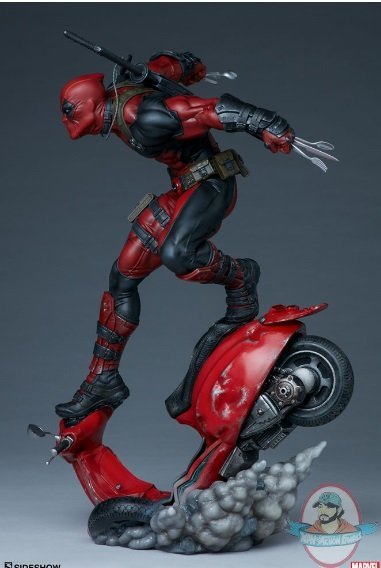 2020_05_01_16_09_53_https_www.sideshow.com_storage_product_images_300690_deadpool_marvel_gallery_5.jpg