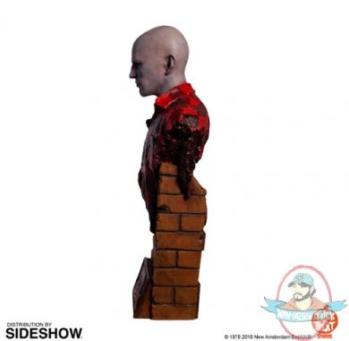 2020_06_12_12_33_39_https_www.sideshow.com_storage_product_images_906499_dawn_of_the_dead_airport_.jpg