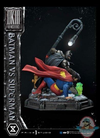 2021_05_24_10_14_18_batman_versus_superman_statue_by_prime_1_studio_sideshow_collectibles.jpg