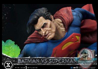 2021_05_24_10_15_29_batman_versus_superman_statue_by_prime_1_studio_sideshow_collectibles.jpg