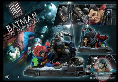 2021_05_24_10_16_02_batman_versus_superman_statue_by_prime_1_studio_sideshow_collectibles.jpg