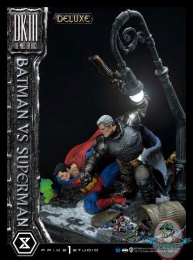 2021_05_24_10_29_57_batman_versus_superman_deluxe_version_statue_by_prime_1_studio_sideshow_coll.jpg