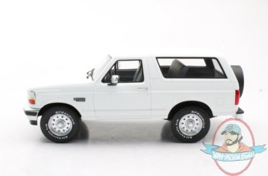 2021_06_04_18_28_10_ls_collectibles_ford_bronco_1992_pre_order_1_18_white_ls055a.jpg