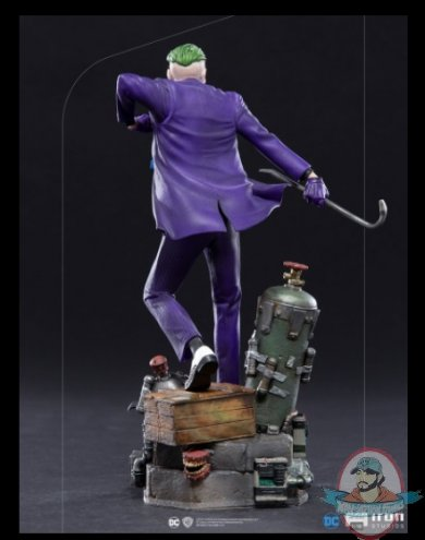 2021_06_08_12_53_07_the_joker_1_10_statue_by_iron_studios_sideshow_collectibles.jpg