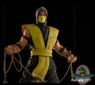 2021_06_09_12_05_45_scorpion_1_10_art_scale_statue_from_iron_studios_sideshow_collectibles.jpg