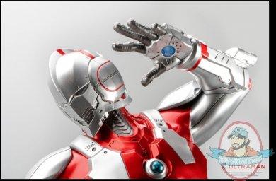 2021_07_13_09_29_52_ultraman_vs_black_king_statue_by_purearts_sideshow_collectibles.jpg