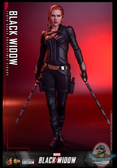2021_07_15_22_32_53_black_widow_sixth_scale_collectible_figure_by_hot_toys_sideshow_collectibles.jpg