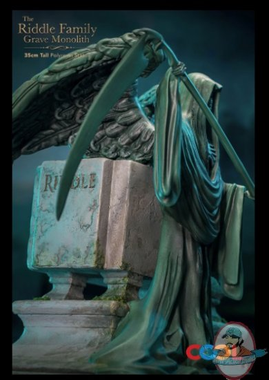 2021_07_16_08_58_18_the_riddle_family_gravestone_statue_by_star_ace_toys_sideshow_collectibles.jpg
