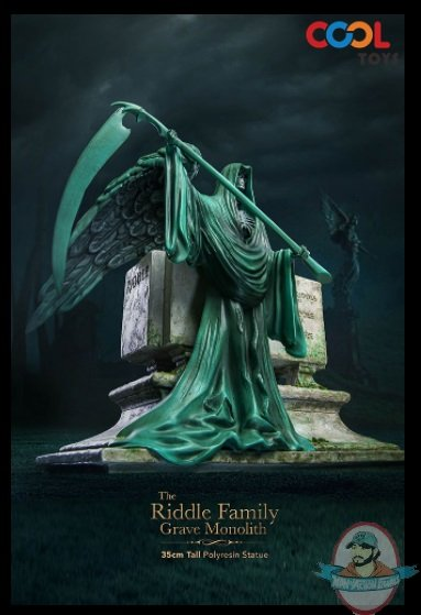 2021_07_16_08_58_37_the_riddle_family_gravestone_statue_by_star_ace_toys_sideshow_collectibles.jpg