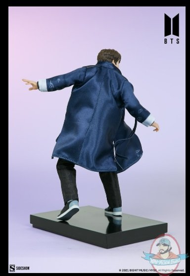 2021_07_28_09_44_50_jung_kook_bts_idol_collection_deluxe_statue_sideshow_collectibles.jpg
