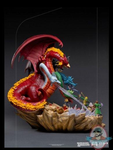 2021_07_28_15_20_10_dungeons_dragons_tiamat_battle_demi_art_scale_diorama_by_iron_studios_sidesh.jpg
