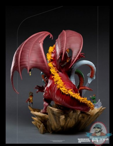 2021_07_28_15_20_23_dungeons_dragons_tiamat_battle_demi_art_scale_diorama_by_iron_studios_sidesh.jpg
