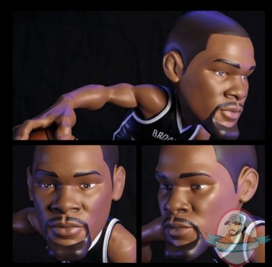 2021_07_28_15_31_24_kevin_durant_small_stars_collectible_figure_sideshow_collectibles.jpg