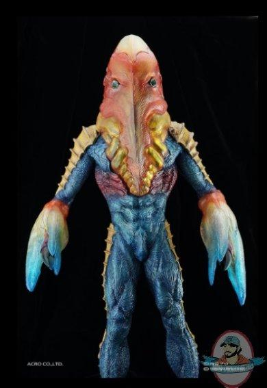 2021_07_28_22_07_50_alien_metron_statue_sideshow_collectibles.jpg