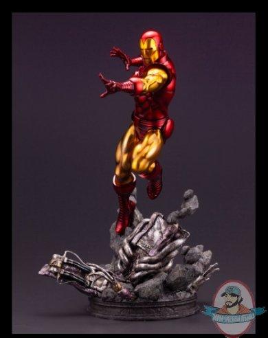 2021_08_02_07_16_06_iron_man_avengers_fine_art_statue_sideshow_collectibles.jpg