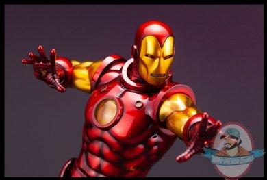 2021_08_02_07_16_50_iron_man_avengers_fine_art_statue_sideshow_collectibles.jpg