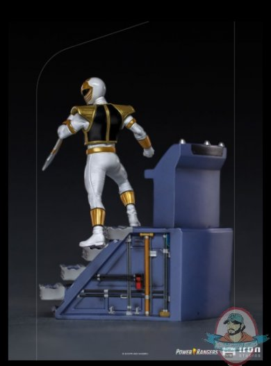 2021_08_11_13_34_44_white_ranger_bds_art_scale_1_10_statue_by_iron_studios_sideshow_collectibles.jpg