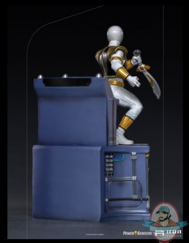 2021_08_11_13_35_10_white_ranger_bds_art_scale_1_10_statue_by_iron_studios_sideshow_collectibles.jpg