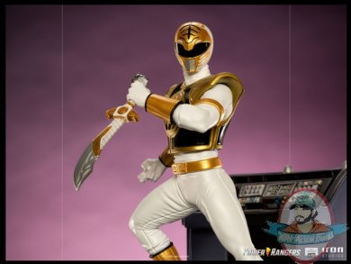 2021_08_11_13_35_25_white_ranger_bds_art_scale_1_10_statue_by_iron_studios_sideshow_collectibles.jpg