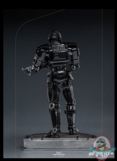 2021_09_09_21_14_43_star_wars_dark_trooper_1_10_scale_statue_by_iron_studios_sideshow_collectibles.jpg