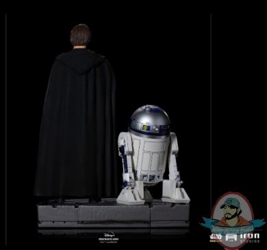 2021_09_24_17_36_24_luke_skywalker_r2_d2_and_grogu_1_4_scale_legacy_replica_statue_by_iron_studios_.jpg