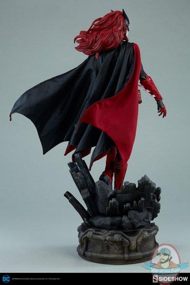 dc-comics-batwoman-premium-format-figure-sideshow-300471-11.jpg
