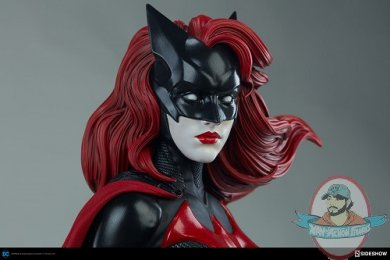 dc-comics-batwoman-premium-format-figure-sideshow-300471-16.jpg