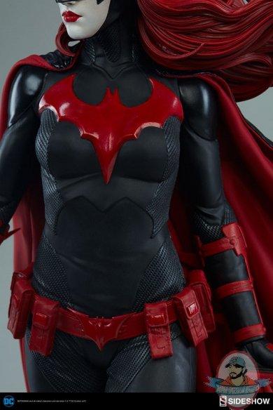 dc-comics-batwoman-premium-format-figure-sideshow-300471-17.jpg