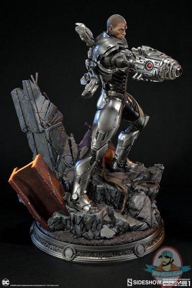 dc-comics-cyborg-statue-prime1-studio-sideshow-200513-04.jpg