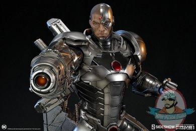 dc-comics-cyborg-statue-prime1-studio-sideshow-200513-09.jpg