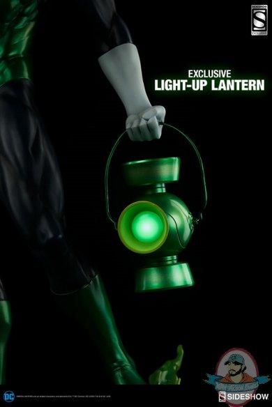 dc-comics-green-lantern-premium-format-3003921-01.jpg