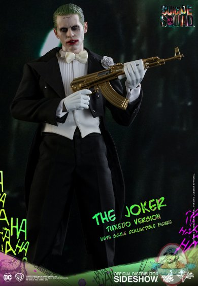 dc-comics-suicide-squad-the-joker-tuxedo-version-sixth-scale-hot-toys-902791-07.jpg
