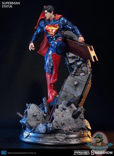 dc-comics-the-new-52-superman-statue-prime1-200509-08.jpg
