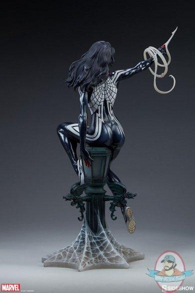 marvel-silk-statue-sideshow-200502-09.jpg