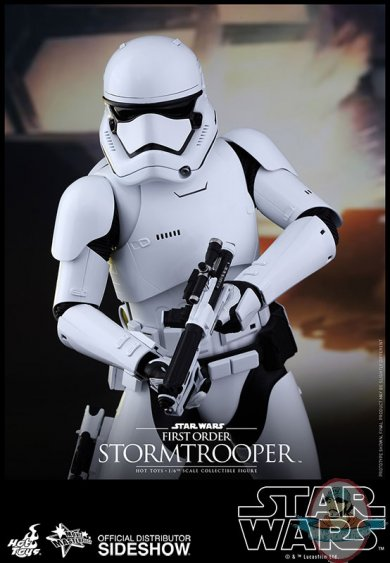 star-wars-first-order-stormtrooper-sixth-scale-hot-toys-902536-06.jpg