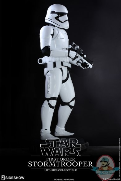 star-wars-first-order-stromtrooper-life-size-collectible-hot-toys-902688-05.jpg