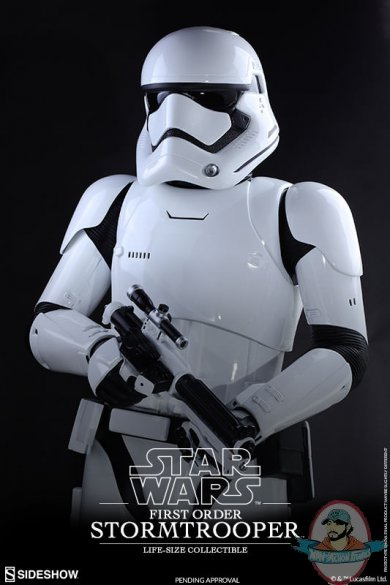 star-wars-first-order-stromtrooper-life-size-collectible-hot-toys-902688-07.jpg