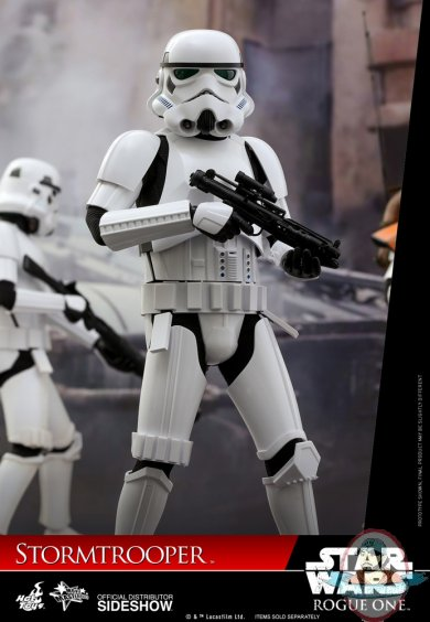 star-wars-rogue-one-stormtrooper-sixth-scale-hot-toys-902874-03.jpg
