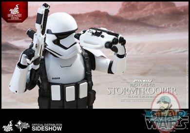star-wars-stormtrooper-jakku-exclusive-sixth-scale-hot-toys-902579-09.jpg